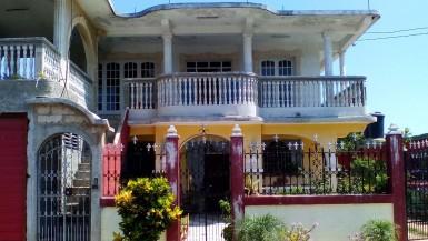 Biplanta in Cojímar, Habana del Este, La Habana