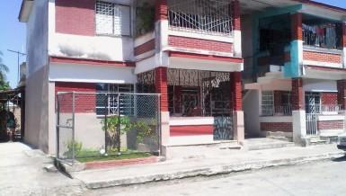 Biplanta in Arroyo Naranjo, La Habana