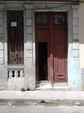 Biplanta in Plaza de la Revolución, La Habana