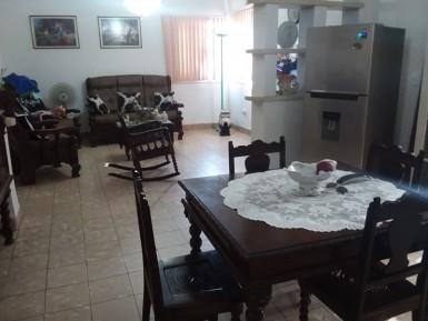 Biplanta in Lawton, Diez de Octubre, La Habana