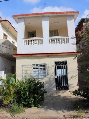 Biplanta en Almendares, Playa, La Habana