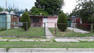 Independent House in Chibás, Guanabacoa, La Habana
