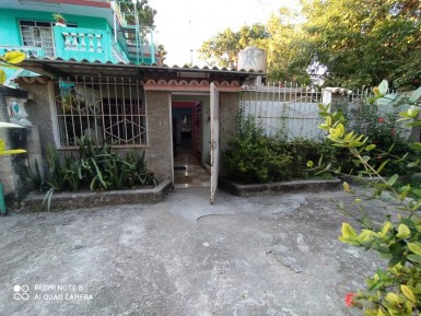 Independent House in Arroyo Arenas, La Lisa, La Habana