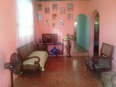 Casa Independiente en Villa I, Guanabacoa, La Habana
