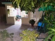 Casa Independiente en Cubanacán, Playa, La Habana 2