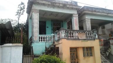 Casa Independiente en Santos Suárez, Diez de Octubre, La Habana