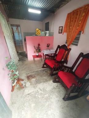 Casa en Diezmero, San Miguel del Padrón, La Habana
