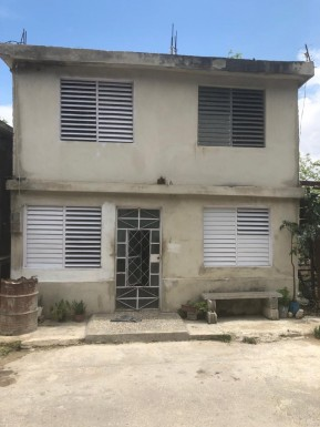 Independent House in Casablanca, Regla, La Habana