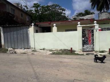 Independent House in Güinera, Arroyo Naranjo, La Habana