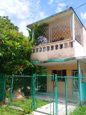 Casa en Alturas de Lotería, Cotorro, La Habana