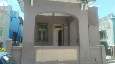 House in Luyanó, Diez de Octubre, La Habana