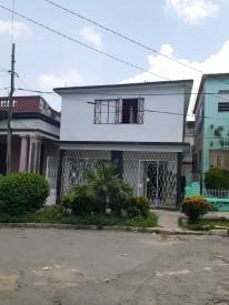 Independent House in Santos Suárez, Diez de Octubre, La Habana
