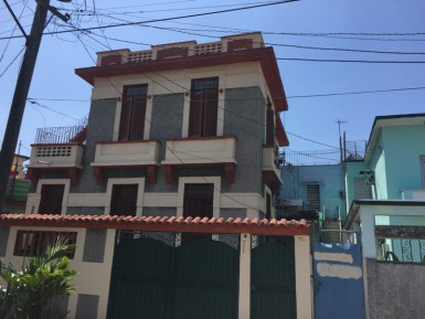 Independent House in Playa, La Habana