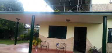 Casa Independiente en Nazareno, Boyeros, La Habana