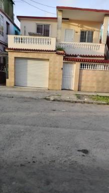 Biplanta en Marianao, La Habana