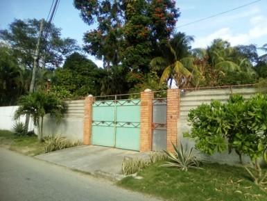 Casa en Arroyo Arenas, La Lisa, La Habana