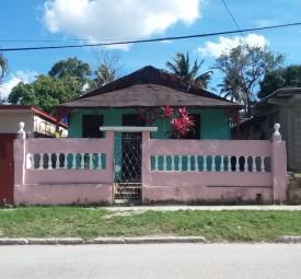 Independent House in Diezmero, San Miguel del Padrón, La Habana