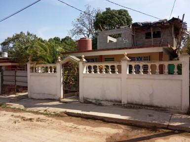 Independent House in Panamérica, Boyeros, La Habana