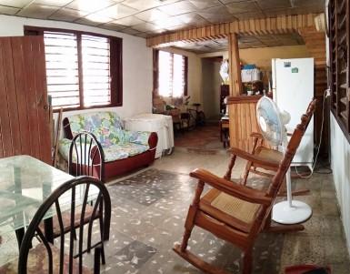House in Mantilla, Arroyo Naranjo, La Habana